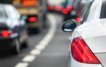 Governador volta a defender rodízio de veículos