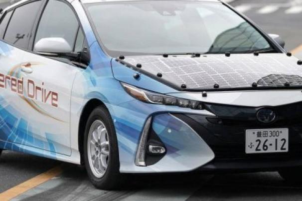 Toyota trabalha em veículo de energia solar capaz de rodar para sempre