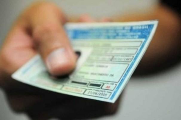 Carteira de motorista poderá incluir tipo sanguíneo e opção por doação de órgãos