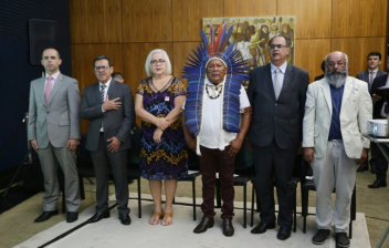 Comissão premia iniciativas que vão de semáforo inteligente a habitação indígena