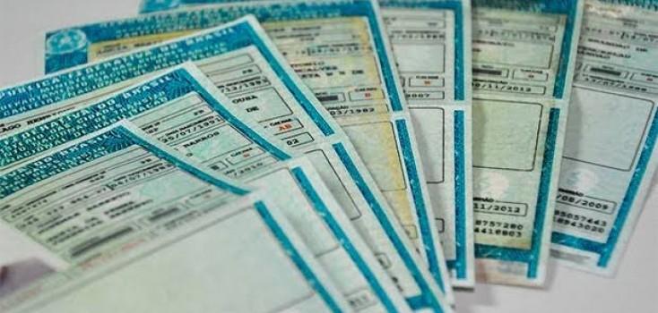 Proposta elimina pontuação na carteira de quem deixa de atualizar documento do carro