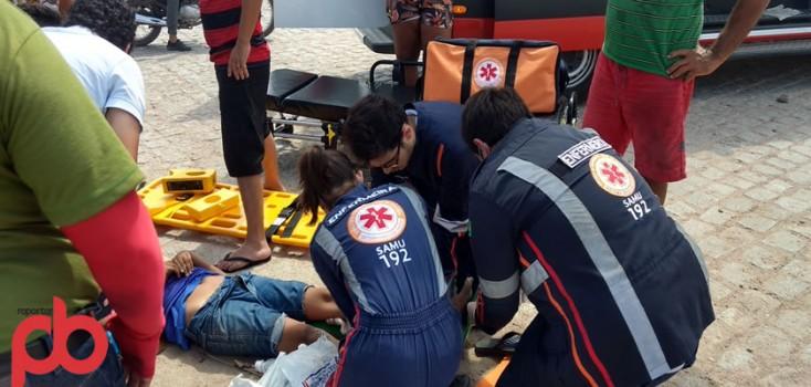 Criança tem perna dilacerada durante abalroamento de Carro e Moto na BR 230 em Sousa; Imagem