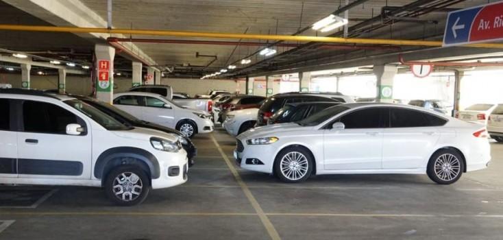 Justiça suspende lei que permitia carência de 20 minutos em estacionamentos na Paraíba e manda apurar infração de Wilson Filho