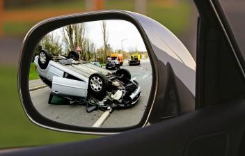 Bateu o carro? saiba o que fazer em um acidente de trânsito