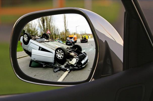 Batida de carro: saiba o que fazer em um acidente de trânsito