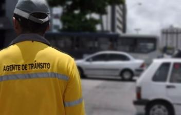 STJ: desobedecer ordem de parada de agente de trânsito não configura crime de desobediência