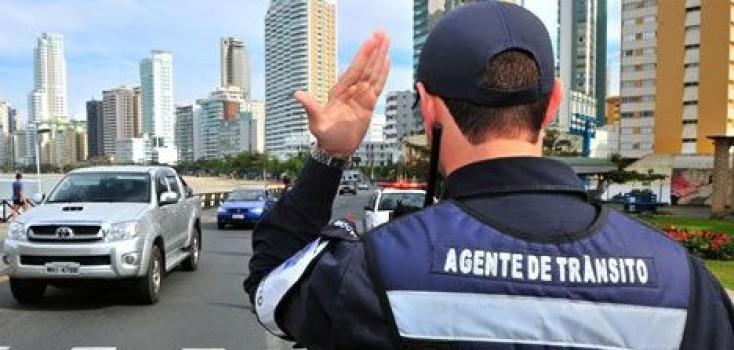 Projeto que considera perigosa a atividade de agente de trânsito passa na CCJ