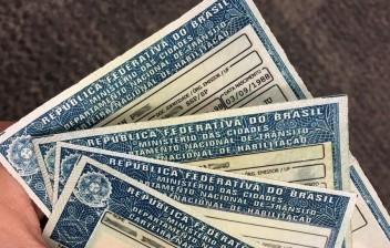 Ideia de Bolsonaro, limite de 40 pontos é aprovado por relator