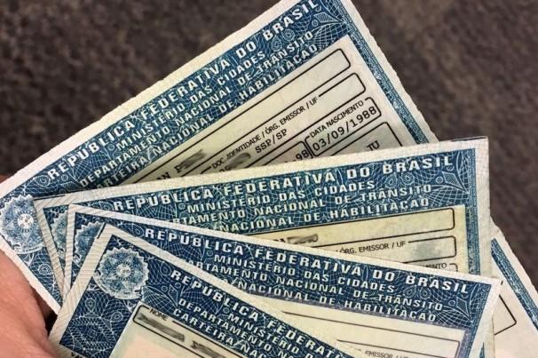 Detran libera condutor dirigir com CNH suspensa no RJ
