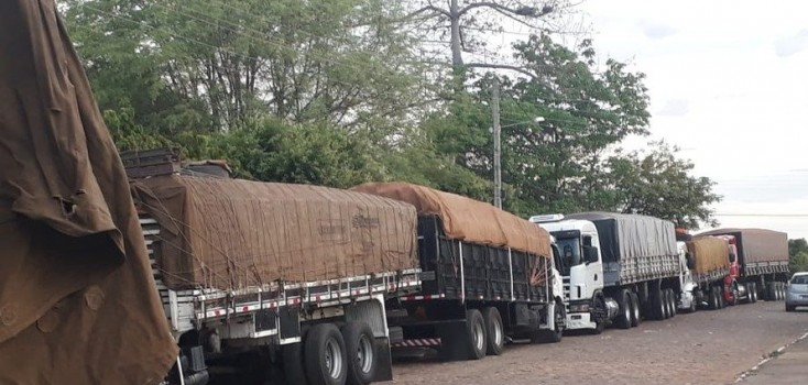Vinte caminhoneiros são presos por transporte irregular e adulteração de documentos