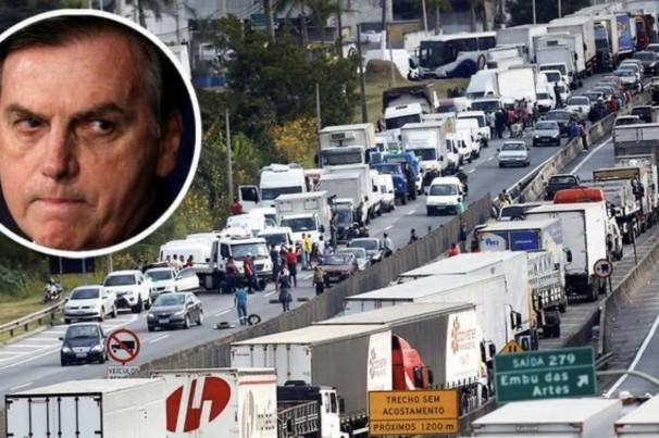 Caminhoneiros se dizem traídos pelo governo e voltam a falar em greve
