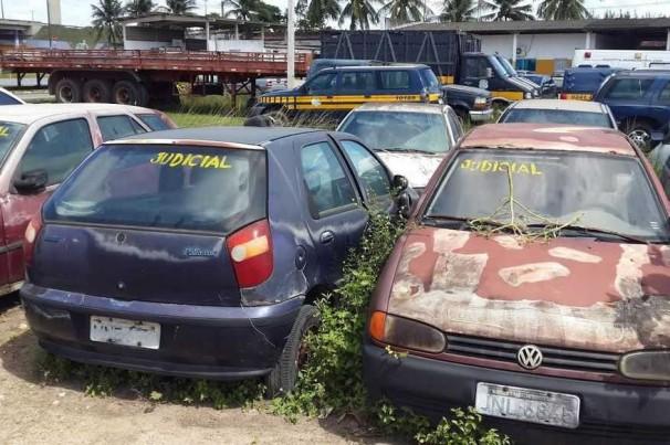 Polícia Rodoviária Federal realiza hoje leilão de carros apreendidos