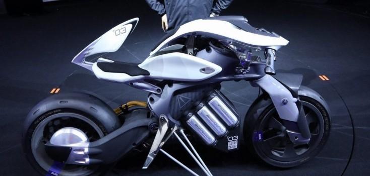 Moto controlada por gestos e que não cai é atração do Salão Duas Rodas