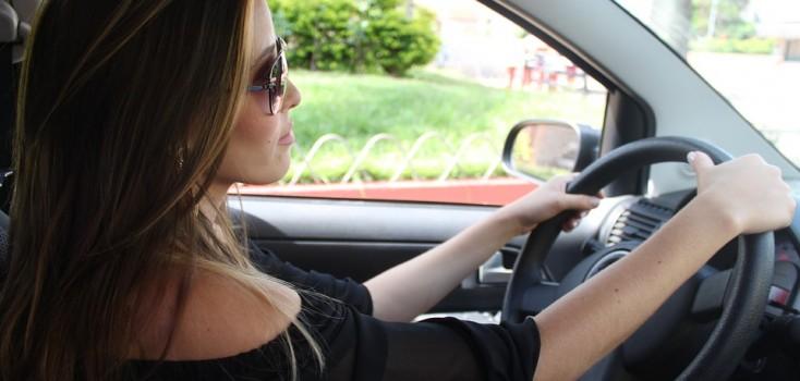 Nova profissão aos 56: conheça a história da motorista Jacqueline