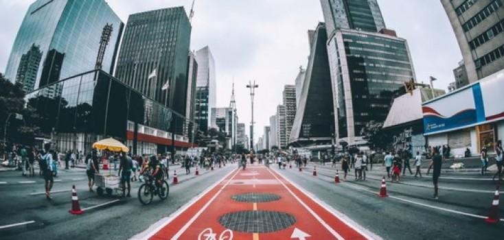 Dia Mundial do Urbanismo: remédio para o trânsito