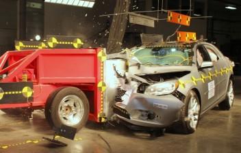 Proposta exige teste de impacto para veículos novos à venda no País