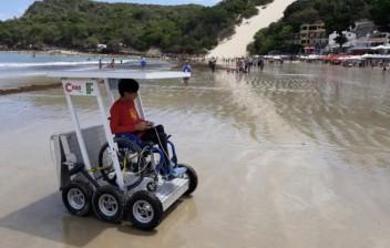 Estudantes do RN criam veículo pra cadeirantes irem à praia