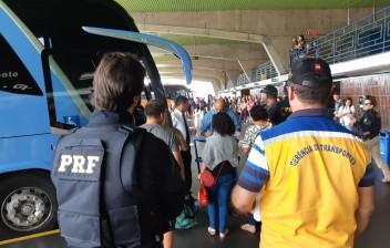 PRF, ANTT e DER realizam fiscalização em veículos de transporte coletivo de passageiros na Paraíba