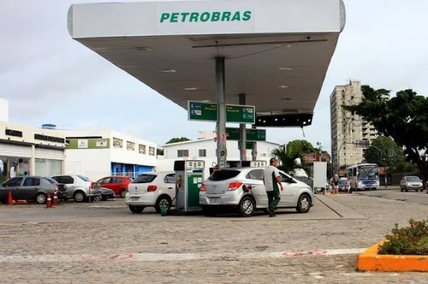 Menor preço da gasolina se mantém em R$ 4,12 em João Pessoa