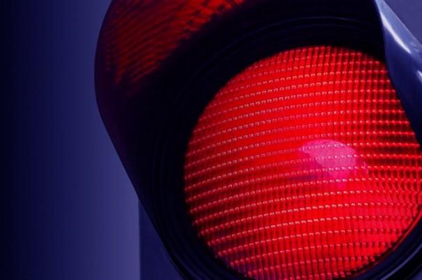 Briga de trânsito entre policiais: termina um ferido