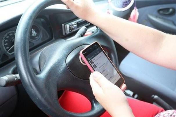 WhatsApp e direção – uma arma mortal no trânsito!