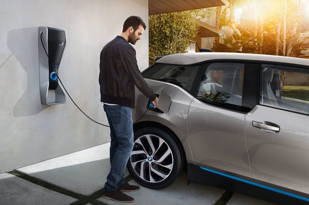 É possível reciclar as baterias de lítio que equipam os carros elétricos?