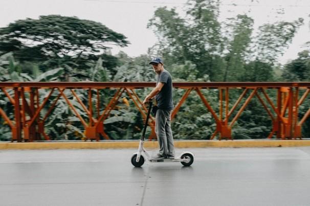 Scooters elétricas chegam em janeiro como lançamento de um projeto piloto