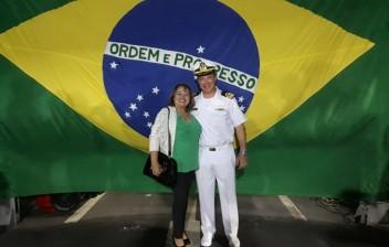 Cerimonial á Bandeira a Bordo da Fragata Constituição da Marinha do BrasiL