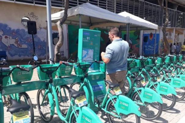 """""""Vai ter bicicleta que não acaba mais"""", afirma prefeito em inauguração de 10 novas estações do Bicicletar"""
