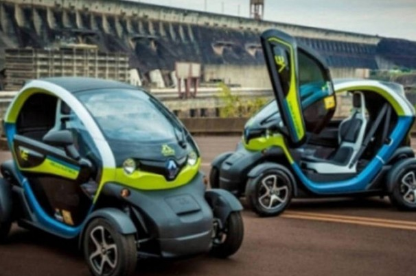 Veículos elétricos e autônomos são o futuro da mobilidade urbana, aponta estudo