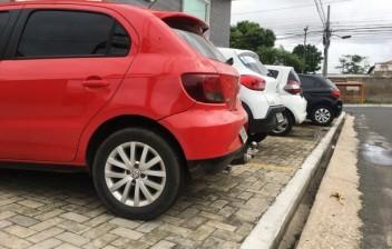 Estacionar em passeios é a 12ª infração mais cometida em Teresina