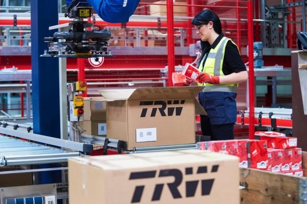 Toyota fará recall de 3,4 milhões de carros no mundo por airbags da TRW que podem não abrir