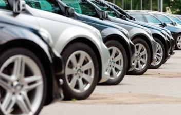 Venda de veículos novos cai 22% em março