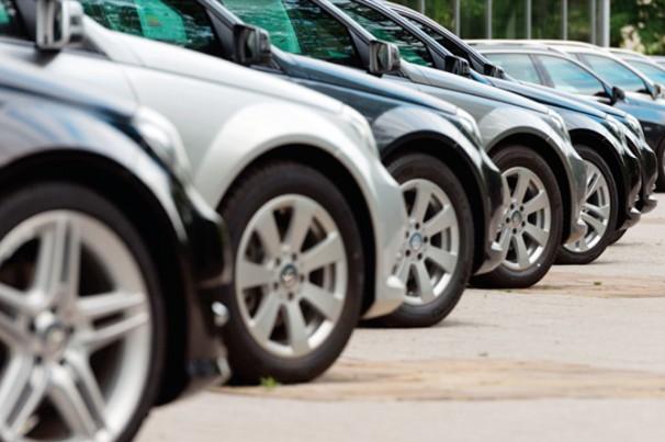Vendas de carros registram queda de 76,3% em abril