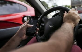 De fone a suporte: quando o celular no trânsito gera multa ou não, segundo a lei