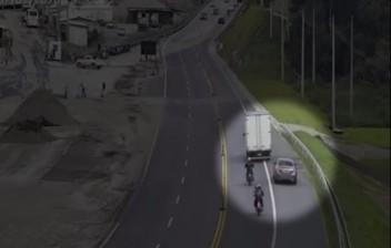 Motorista comete cinco infrações em 20 minutos e soma R$ 4,8 mil em multas na Tamoios
