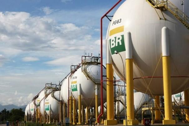 Petrobras doará combustível para ambulâncias
