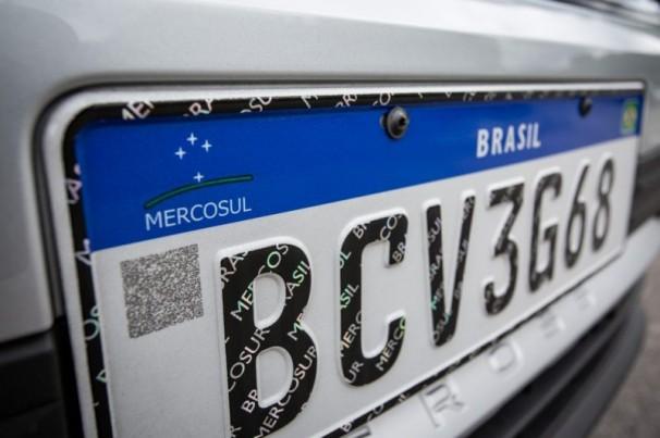 Placa Mercosul: Denatran prorroga até 17 de fevereiro prazo para 5 estados