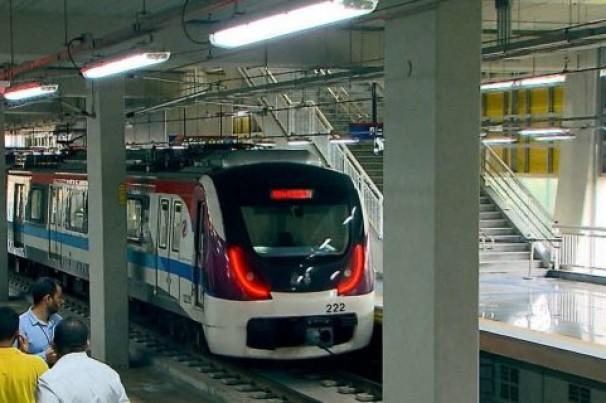 Mulher cai em trilhos da linha 2 do metrô de Salvador