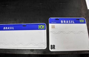 Cartel terá que explicar alto preço da placa Mercosul