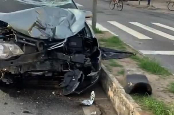 Acidente envolvendo moto e carro deixa um homem morto