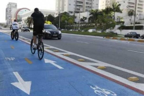 Desembargador do TJ-SP autoriza prefeitura a pintar ciclofaixas de azul