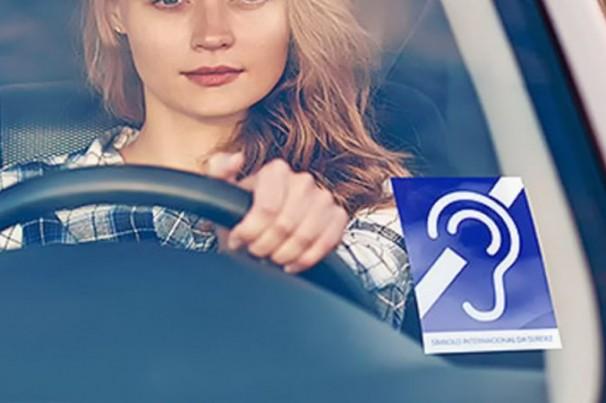 Deficiente auditivo, pode dirigir?