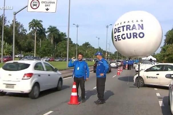 Blitz de Carnaval: Detran-RJ fiscaliza veículos nas ruas em todo o Estado