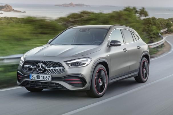 Com participação no Salão do Automóvel incerta, Mercedes-Benz confirma GLA e GLB com motores 1.3 e 2.0 turbo no Brasil