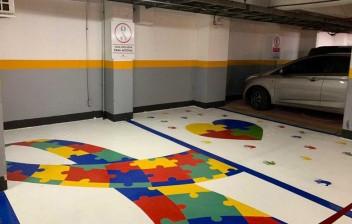 Inclusão: Detran lança credencial de estacionamento autistas