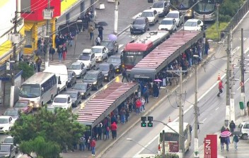 Uso de carro como meio de transporte deve cair 28% em SP na próxima década, diz consultoria