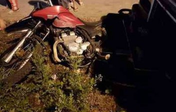 Motociclista se distrai para ver acidente, perde controle de veículo e morre em rodovia