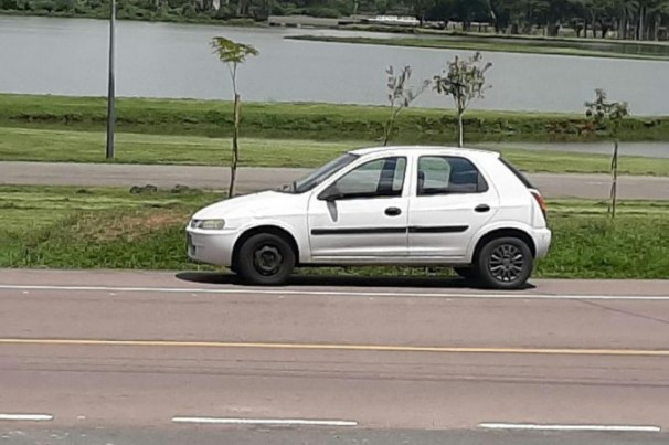 Guarda guincha veículo com mais de R$ 26 mil em multas