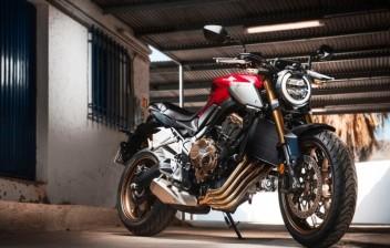 Honda CB e CBR 650 voltam redesenhadas e mais equipadas